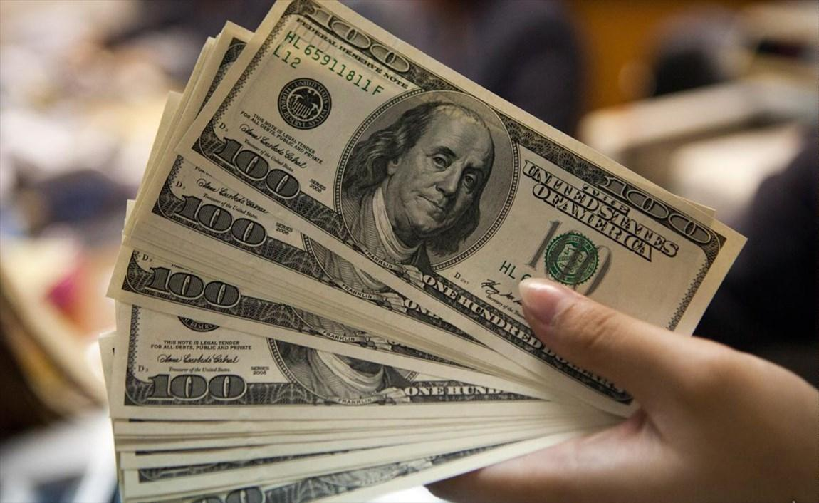 ششم دی، نرخ دلار به 13400 تومان رسید