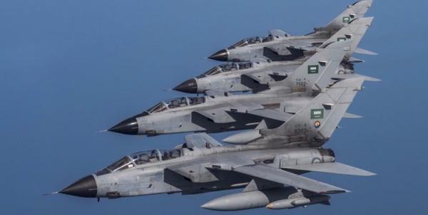 جنگنده های سعودی شبانه یمن را بمباران کردند